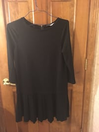 black scoop-neck long-sleeved dress 436 mi
