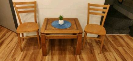 Bful table and chair set