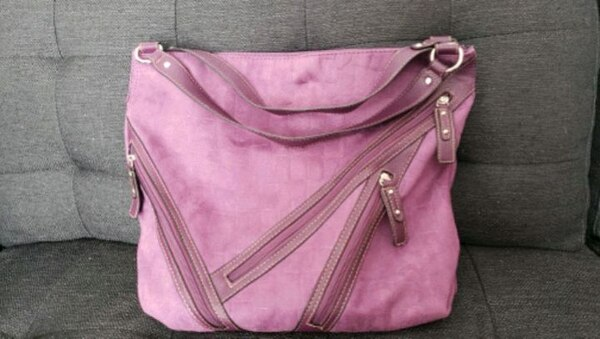 pink and brown leather hobo bag 2697a9d9-7456-4cb3-afd5-292a704663bc