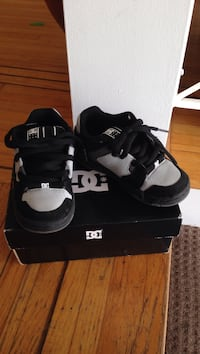 Toddler shoes, size11 US
