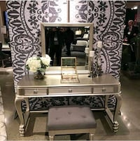 Vanity mirror chair  Las Vegas, 89109