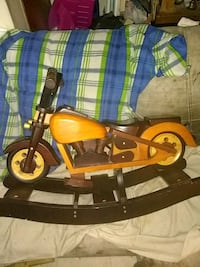 Wooden harley davidson rocking chair Seattle, 98133