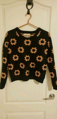 black and white floral sweater Markham, L6C 0H6