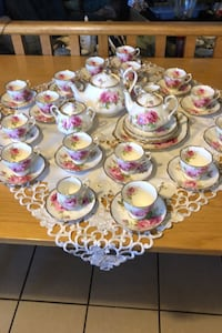 48 Piece Royal Albert American Beauty Calgary, T2Y
