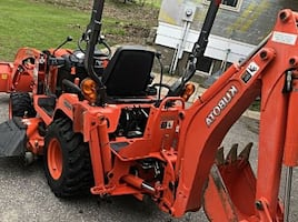 "Kubota BX25 Loader, Backhoe and 54"" Belly Mower Compact Tractor ^ Contact me at paisleysmith334(gmail)com"
