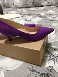 Beautiful brand new purple size 7 ladies shoe Vaughan, L0J 3Z6