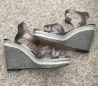 Vince Camuto Wedge Sandals - Like New Size 8 Manchester, 03103