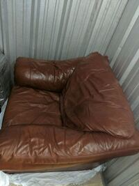 Oversized leather armchair Middlesex County, 02145