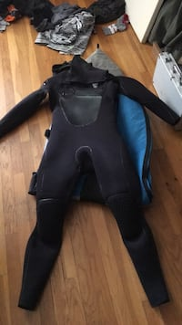 Quik silver 6mm wetsuit used  East Greenwich, 02818