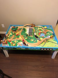Kids play train table Wilmot, N3A 2V4