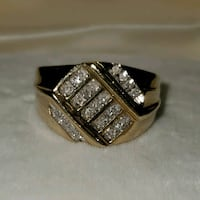 10K Gold Ring w/Real Diamonds Virginia Beach, 23452
