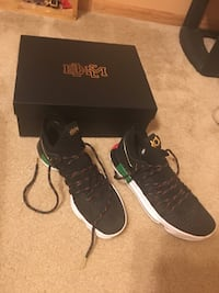 pair of black Adidas low-top sneakers with box Tonganoxie, 66086