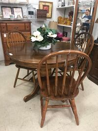 brown wooden dining table set Louisville, 40241