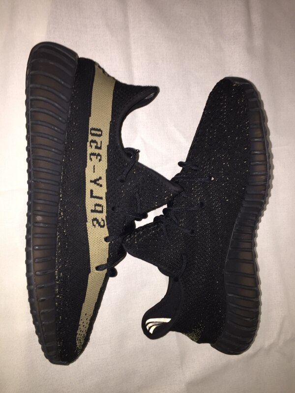 Yeezy V2 Core green SIZE 11