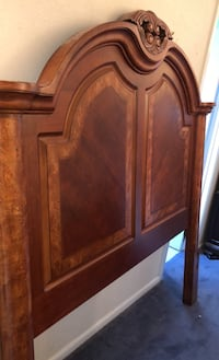 Gorgeous heavy solid wood headboard and footboard queen size Brielle, 08730