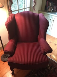 Chair, wingback. Like new! Hagerstown, 21740
