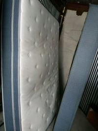 white and gray floral mattress Kansas City, 64138