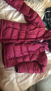 Red zip-up bubble jacket Los Angeles, 90042