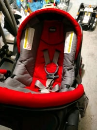 baby's red and black car seat carrier Kent, 98030