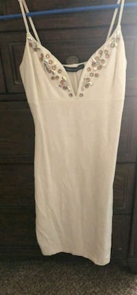 women's white sleeveless dress Bakersfield, 93306