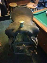 black leather horse saddle Saint Francis, 67756