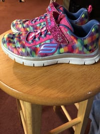 Pair of multicolored nike running shoes Adger, 35006