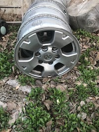 Take off rims from a 2007 Toyota Tacoma Logan, 84322
