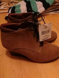 Faux tan suede wedge heels size 8 Parksville