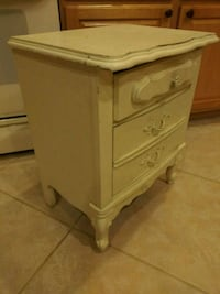 French Provincial night stand 2064 mi