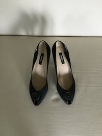 DKNY dress heel shoes made in Italy size 8.5 almost new Chicago