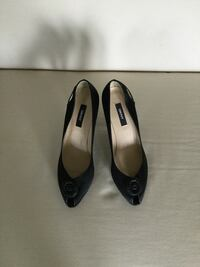 DKNY dress heel shoes made in Italy size 8.5 almost new
