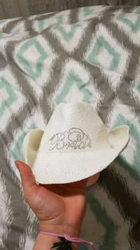 white cowboy hat Winnipeg, R2K