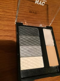NYC eyeshadow palette (944), Smokey Charcoal  London, N5Y 4K5