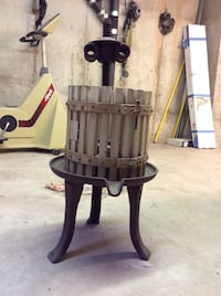 Antique wine press, excellent condition , New York, 10309