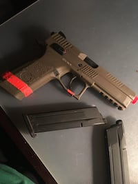 Airsoft CZ P09 with 1 extra Magazine Simi Valley, 93065