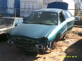 1996 Ford Taurus (PARTING OUT)