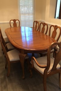 Dining Room Table with 8 Chairs Pawleys Island, 29585