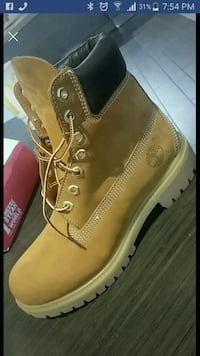 unpaired brown Timberland work boot with box Bethesda, 20817