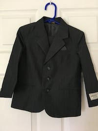 Like New 2pcs suits 3T West Chicago, 60185