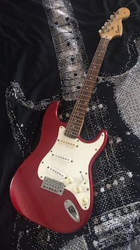 red and white stratocaster electric guitar Los Angeles, 90004