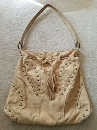 Purse Woodbridge, 22193