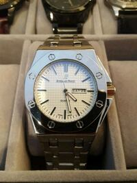 round silver-colored analog watch with link bracelet Markham, L3R