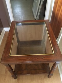 rectangular brown wooden framed glass top coffee table Beauharnois, J6N