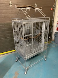 Large Steel/Iron Bird Cage in excellent condition! TORONTO