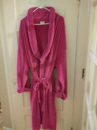New...Pink Soft Robe Rochester Hills