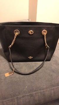 Coach purse never used still with tags no low ballers u be ignored
