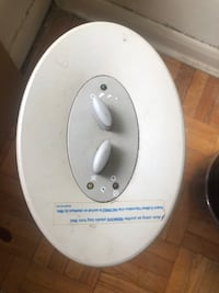 Air cleaner - Works perfect and rotates also has 3 settings just 19. Toronto, M6K 2E5