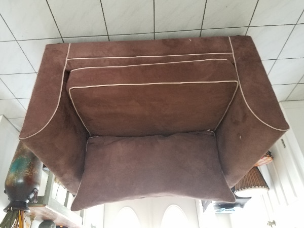 Chair (oversized) with pull out single bed & mattr