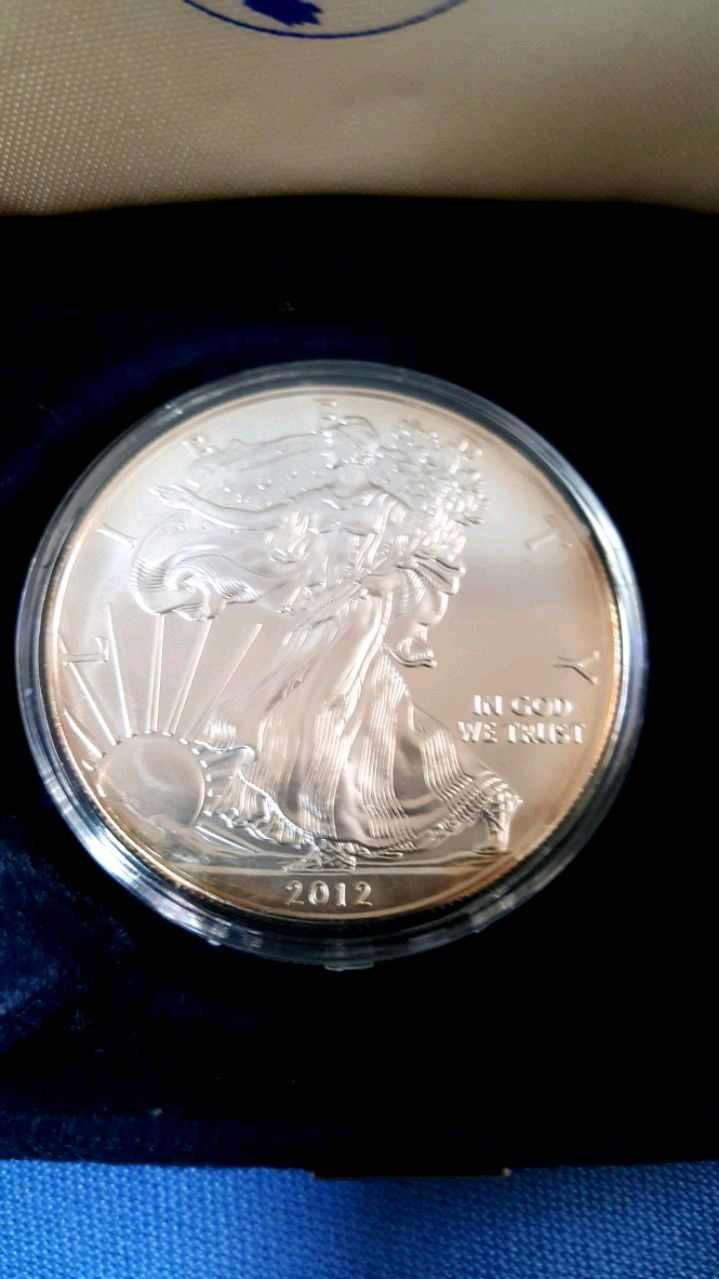 2005 ONE OUNCE .999 AMERICAN SILVER EAGLE-BU CONDITION-wow