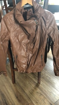 Faux brown leather jacket London, N5Y 2C2
